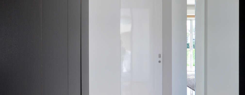Ingresso, Corridoio & Scale in stile in stile Moderno di 門一級建築士事務所