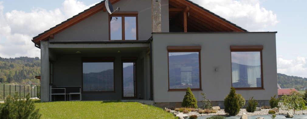 Casas de estilo moderno por in2home