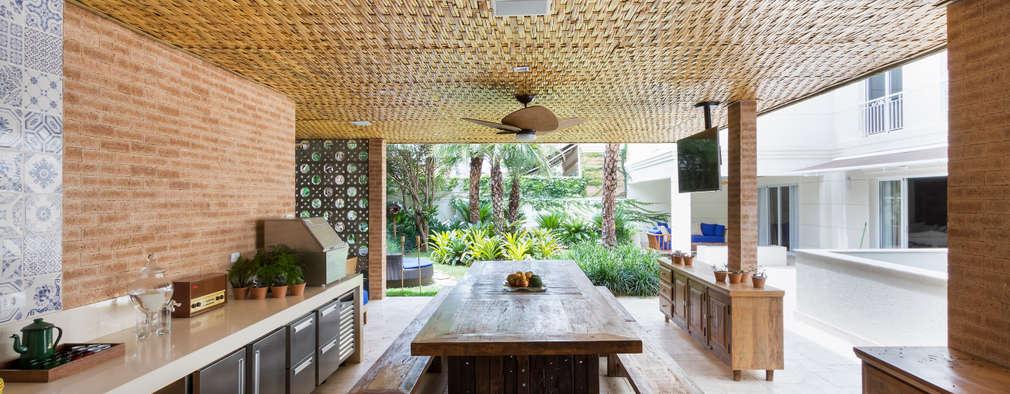 rustic Kitchen by BAMBU CARBONO ZERO
