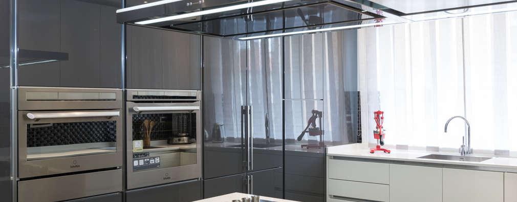 Appartamento Roma Quartiere Africano: Cucina in stile in stile Moderno di Paolo Fusco Photo