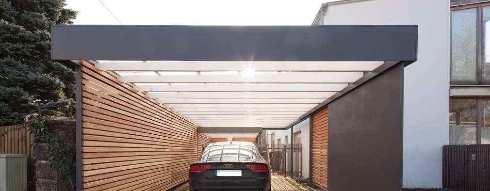 Nhà để xe/Nhà kho by Architekt Armin Hägele