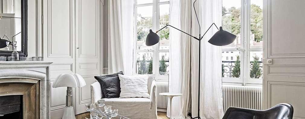 Salas de estilo escandinavo por Design for Love