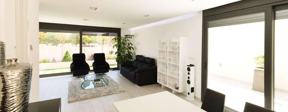 Ruang Keluarga by arqubo arquitectos