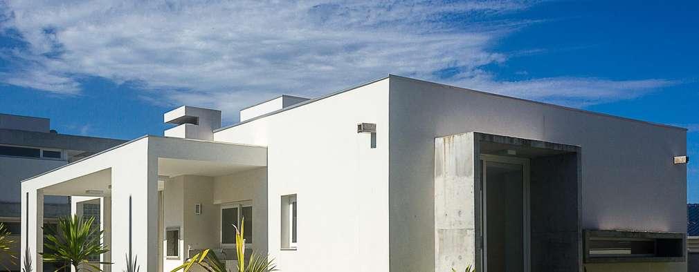 Casas de estilo moderno por PJV Arquitetura