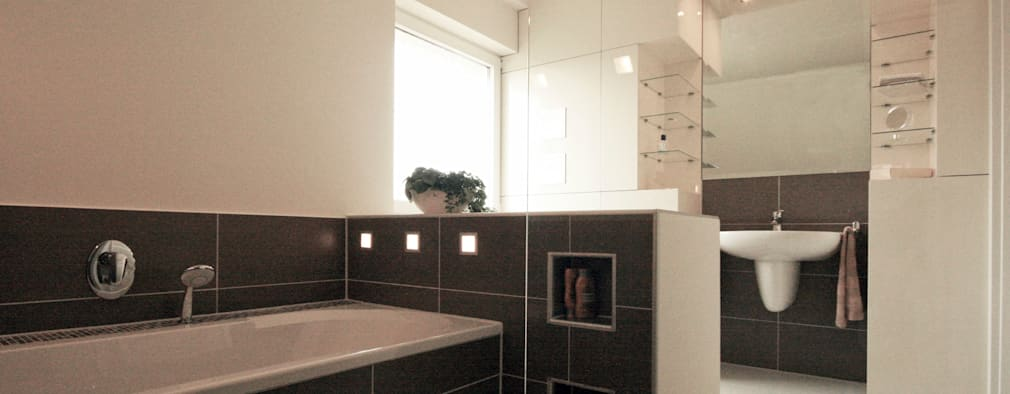 modern Bathroom by Höltkemeier InnenArchitektur