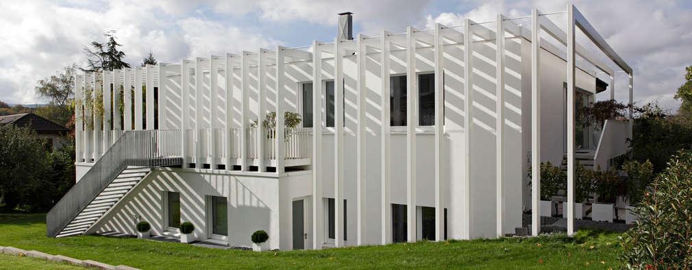 Projekty, nowoczesne Domy zaprojektowane przez LABOR WELTENBAU ARCHITEKTUR