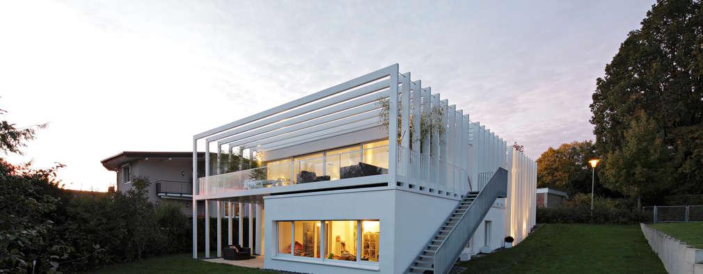 modern Houses by LABOR WELTENBAU ARCHITEKTUR