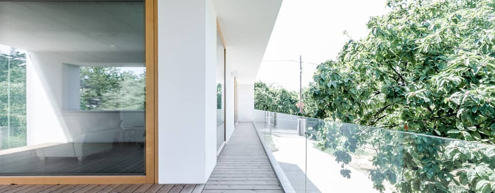 Tерраса в . Автор – Földes Architects