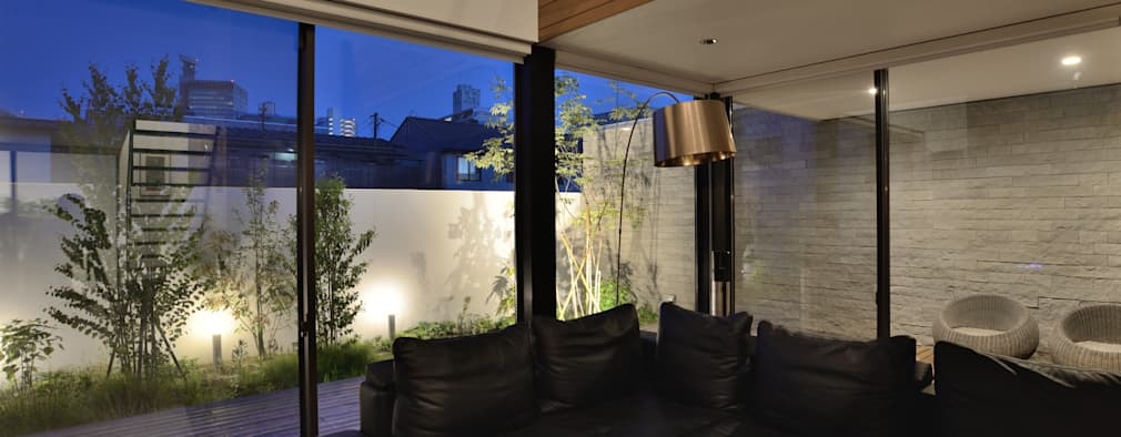 Salas / recibidores de estilo moderno por 株式会社ブレッツァ・アーキテクツ