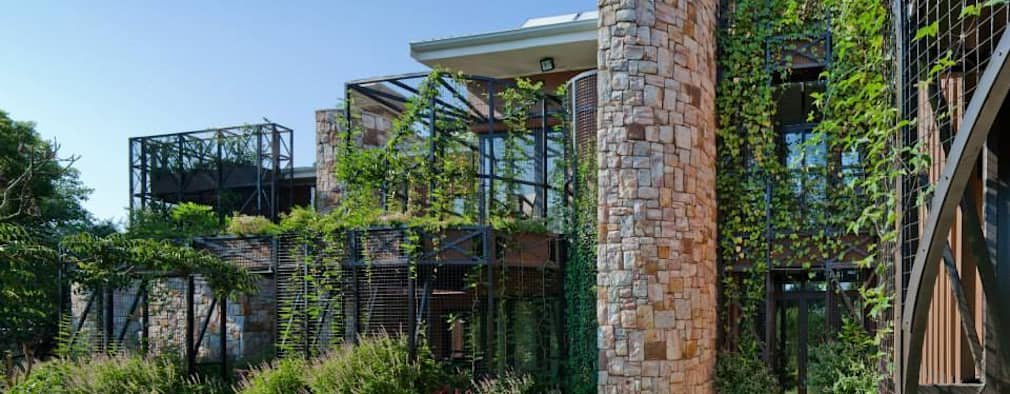 House Jones: eclectic Houses by Environment Response Architecture