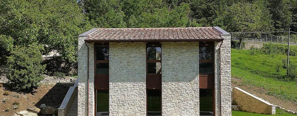 Projekty, wiejskie Domy zaprojektowane przez Stefano Zaghini Architetto