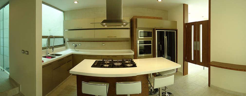 minimalistic Kitchen by lab d arquitectura