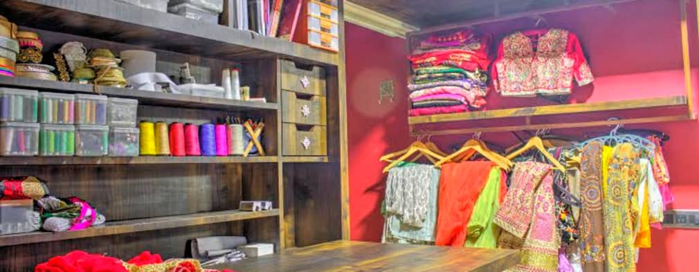 Display Area: rustic Dressing room by Olive Roof