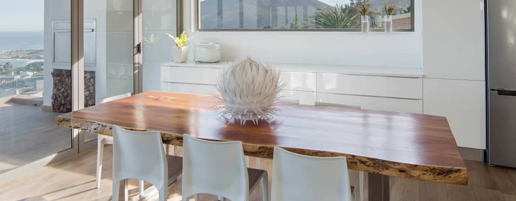 HOUSE  I  ATLANTIC SEABOARD, CAPE TOWN  I  MARVIN FARR ARCHITECTS: modern Dining room by MARVIN FARR ARCHITECTS