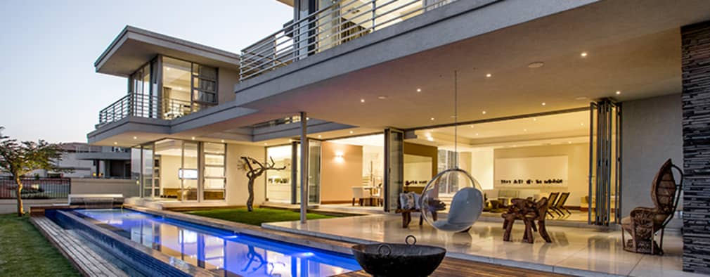 Residence Naidoo:  Patios by FRANCOIS MARAIS ARCHITECTS