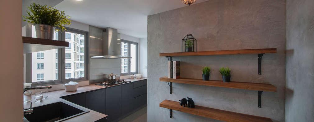 Cocinas de estilo ecléctico por Eightytwo Pte Ltd