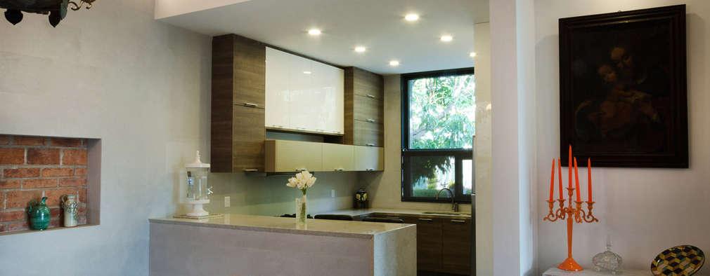 Casa Hornacina - VMArquitectura: Comedores de estilo moderno por VMArquitectura