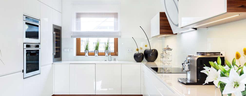 Patrycja w białym połysku: styl , w kategorii Kuchnia zaprojektowany przez Art House Studio