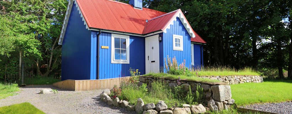 Casas de estilo rural por The Wee House Company