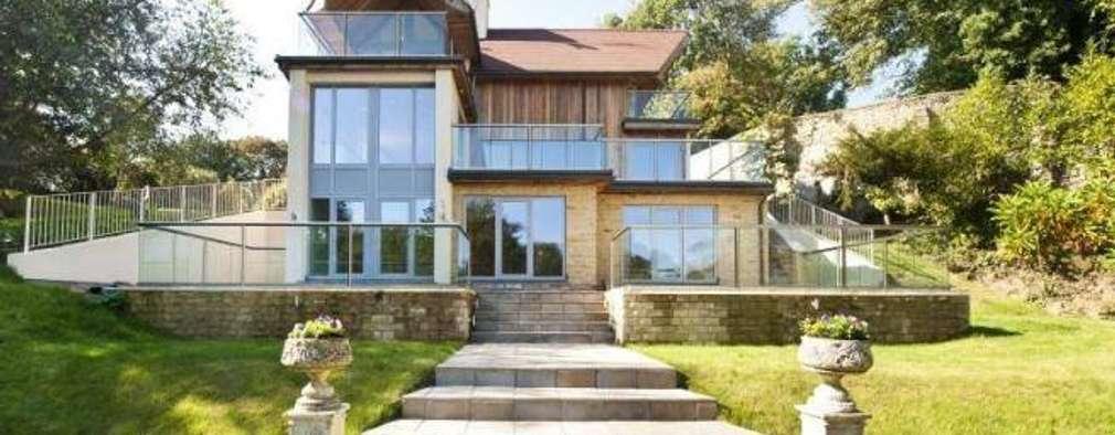 Projekty,   zaprojektowane przez Heritage Designs - Timber Frame Manufacturers