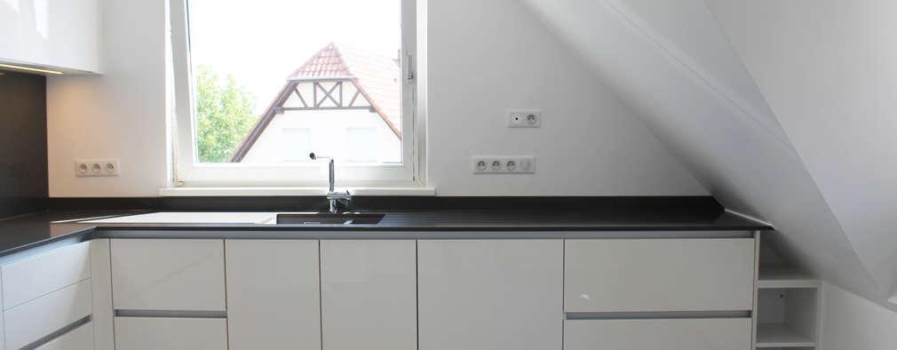 APPARTEMENT A STRASBOURG: Cuisine de style de style Moderne par Agence ADI-HOME