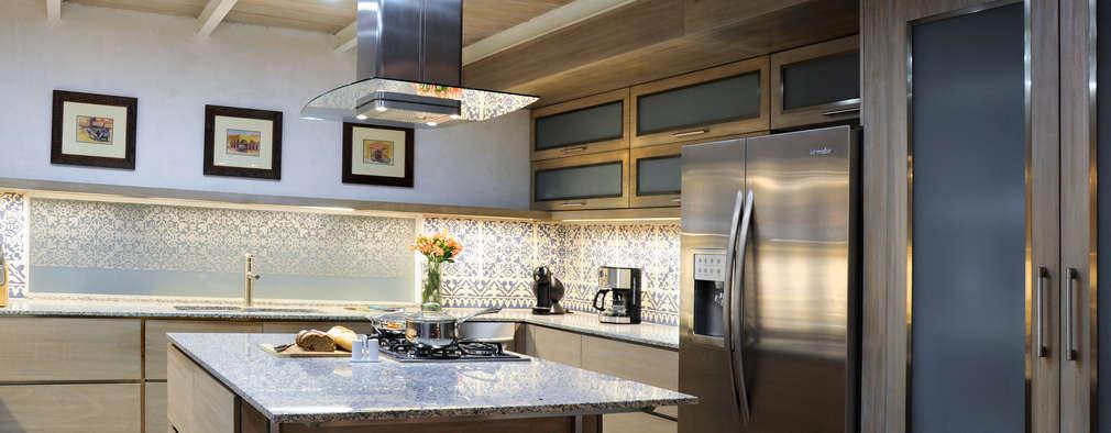 Cocinas modernas con isla para casas no muy grandes for Cocinas grandes modernas