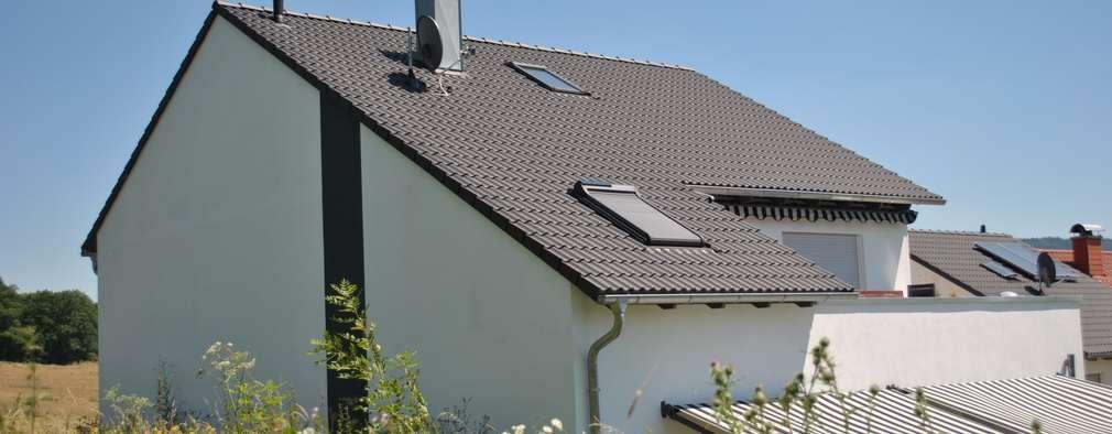 Klassisches einfamilienhaus mit sch ner terrasse for Klassisches einfamilienhaus