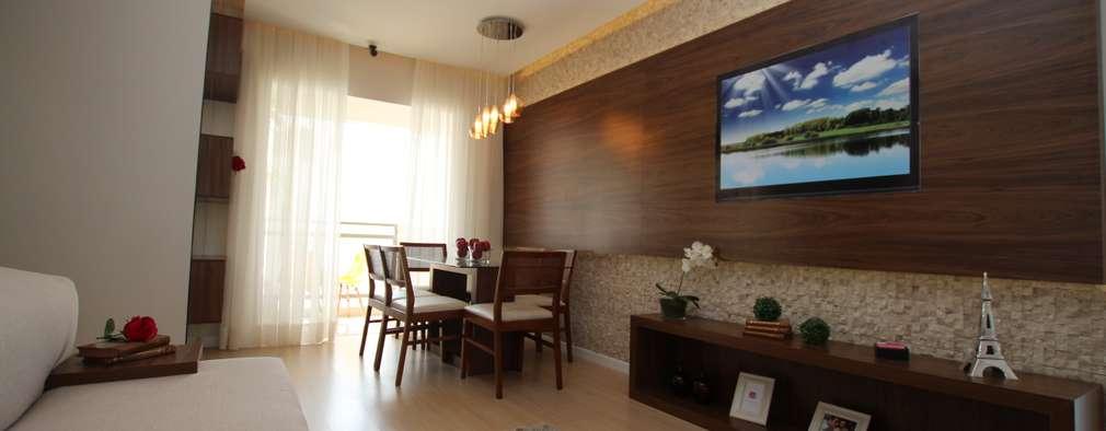 غرفة المعيشة تنفيذ Pricila Dalzochio Arquitetura e Interiores