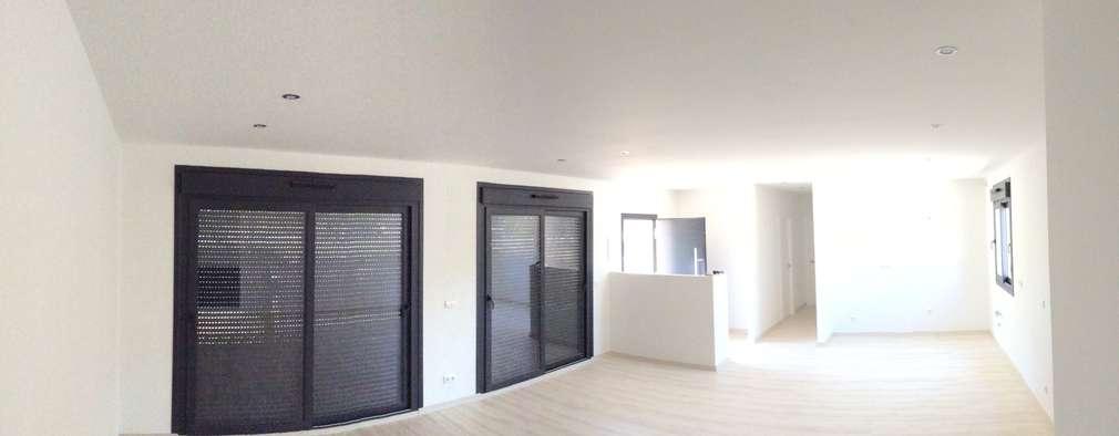 minimalistische Woonkamer door Casas Arquicenter ®