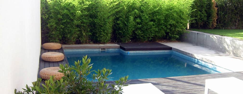 Voor en na het ontstaan van een intieme tuin met zwembad for Afmetingen zwembad tuin