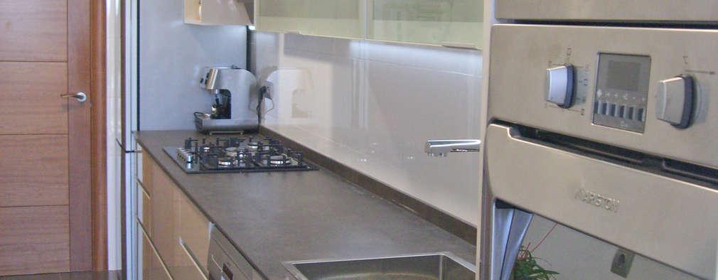 El mobiliario de una cocina en tarragona for Mobiliario para cocina