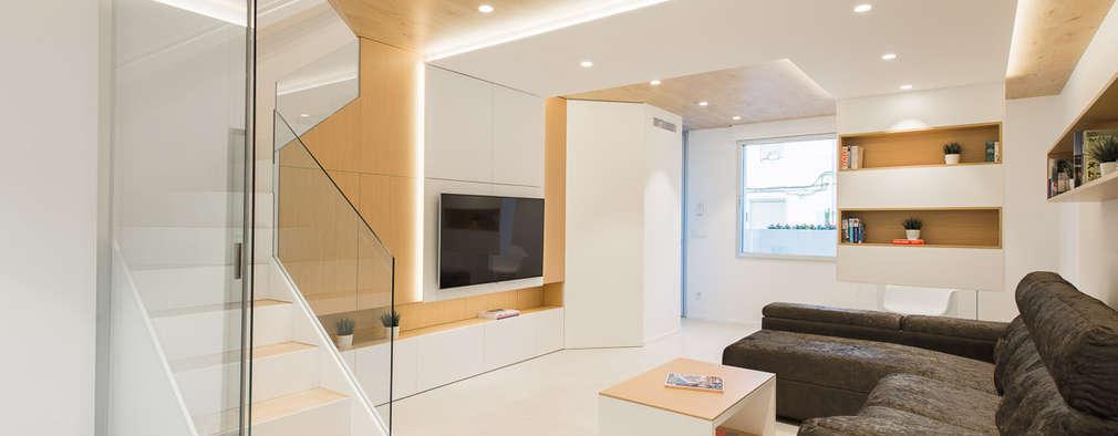 Ruang Keluarga by Pablo Muñoz Payá Arquitectos