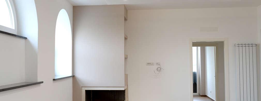 yesHome: klasik tarz tarz Oturma Odası