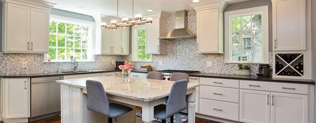 Cocinas de estilo clásico por Kitchen Krafter Design/Remodel Showroom