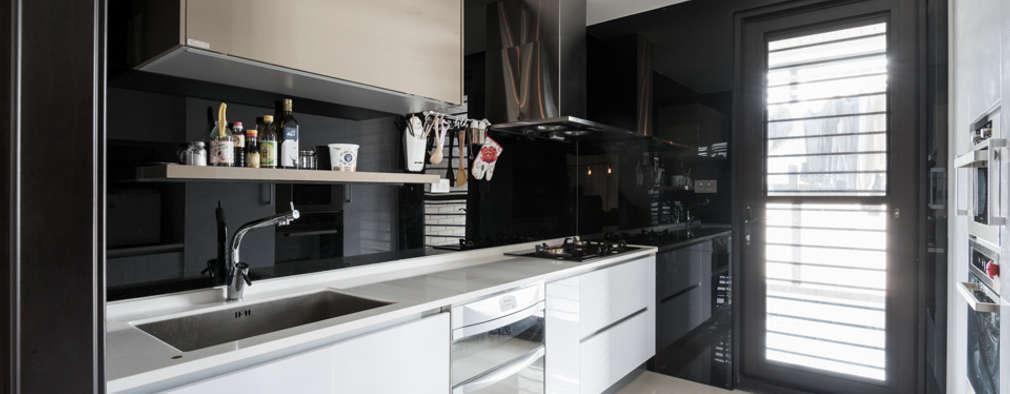 Cocinas de estilo moderno por 思維空間設計