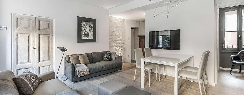 Salones de estilo moderno de BRANDO concept