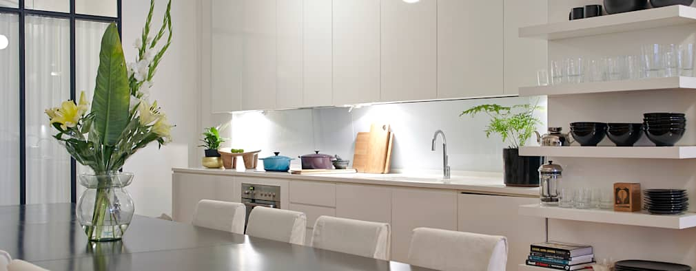 Apartment Wellington: modern Kitchen by Liam Mooney Studio