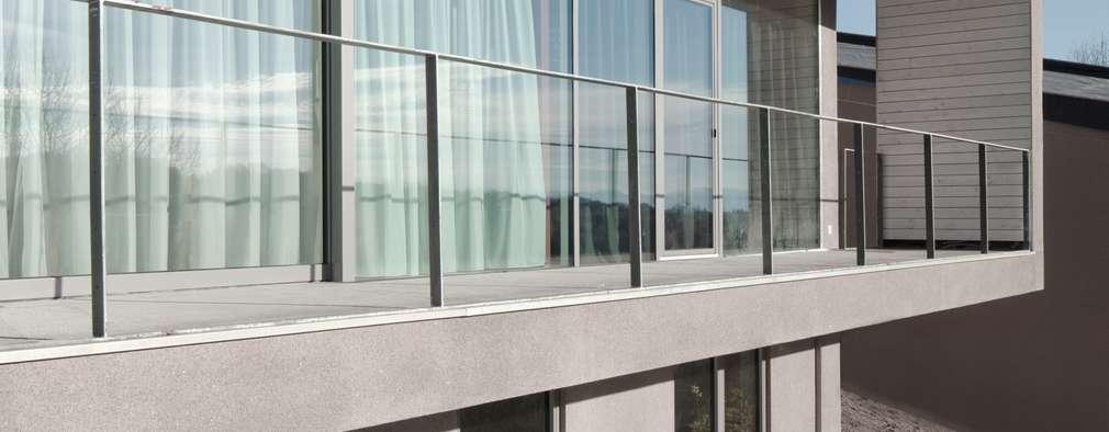 modern Houses by destilat Design Studio GmbH