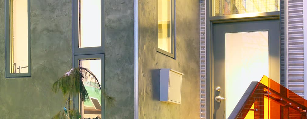 Projekty, minimalistyczne Domy zaprojektowane przez Linebox Studio