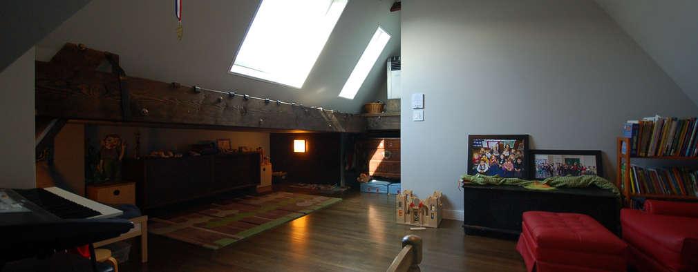 Clinton Avenue: modern Bedroom by SA-DA Architecture