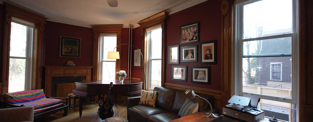 Washington Avenue Brownstone: classic Study/office by SA-DA Architecture