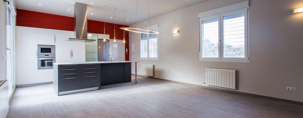 Salas de estilo moderno por Casas Arquicenter ®
