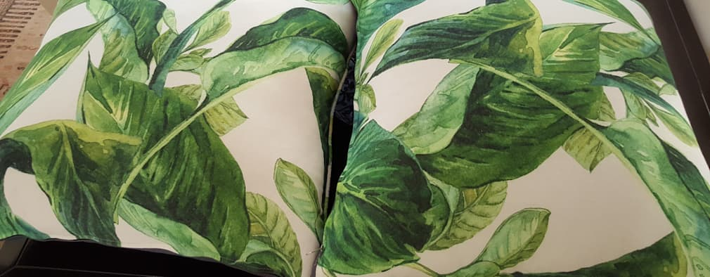 Guest Bedroom cushions:   by SOJE Interior, Design and Decor PTY (Ltd)