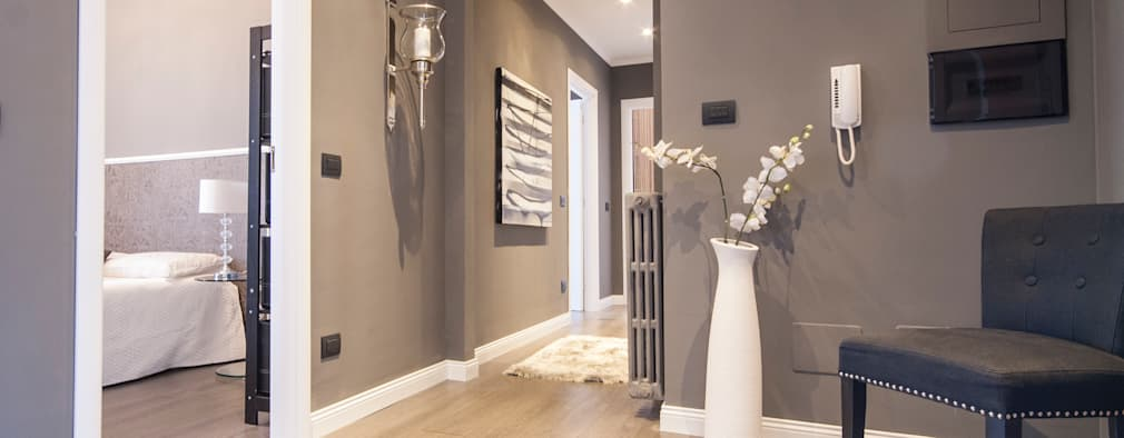 Corridor & hallway by DemianStagingDesign