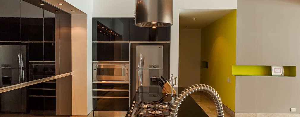 Cocinas de estilo moderno por MORADA CUATRO