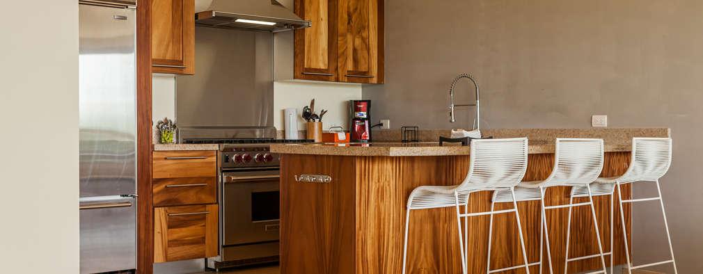 modern Dining room by MORADA CUATRO