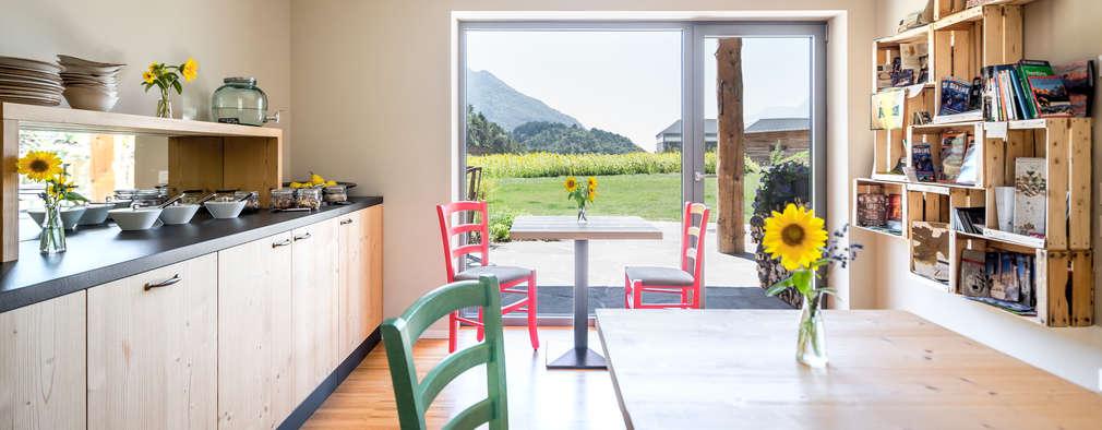 modern Dining room by raro