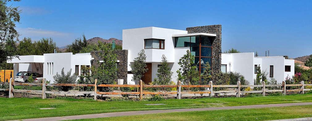 Casa Esquina 1: Casas de estilo moderno por Marcelo Roura Arquitectos