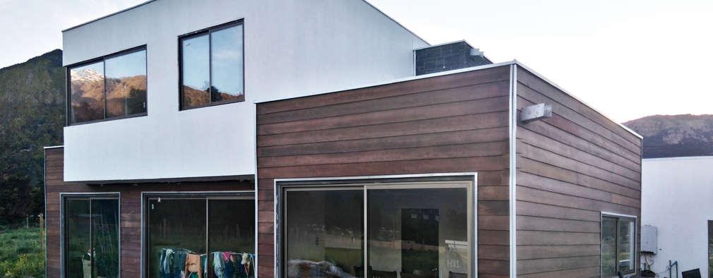 다채로운 재료로 온 가족의 소망을 반영한 소형 단독주택