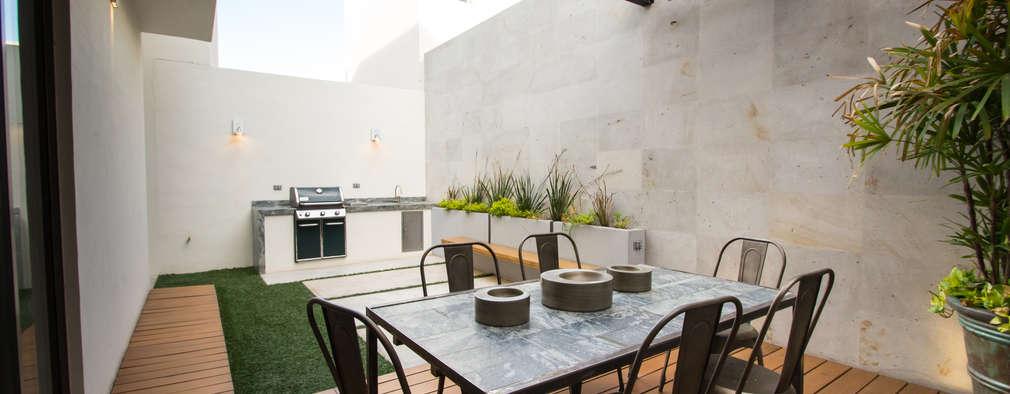 20 patios y terrazas con suelo de madera maravillosos for Suelos de patios